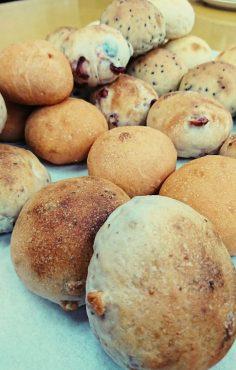 <初出店>酵母のパンとシフォンケーキ コボコボドライブイン